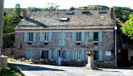 Refuge du Moure, chambres d'hôtes sur le GR70 (Stevenson-Lozère)
