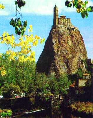 Vue panoramique du Puy en Velay (Haute-Loire)