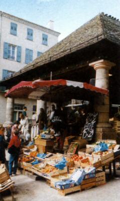 La halle de Langogne (Lozère)